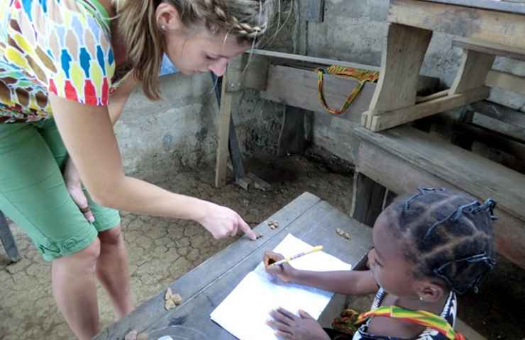 Volunteer teach kindergarten preschool in Ghana - with sightseeing.